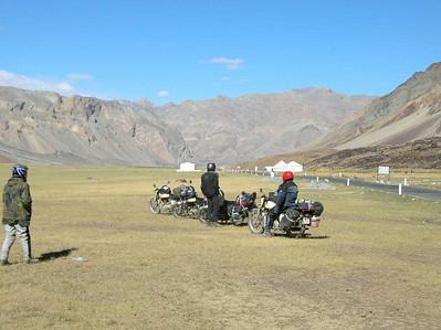Het tentenkamp in de vallei van Sarchu