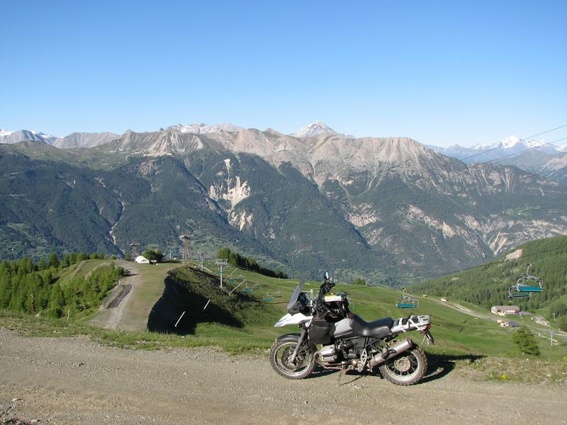 Plots sta je dan oog in oog met Mont Blanc